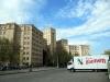 Diesen LKW, direkt gegenüber der Uni abgestellt, findet Olga echt lustig +++ Этот грузовик напротив здания университета развеселил Ольгу