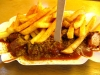 Typisch Berlin: Currywurst mit Pommes ! +++ Типично для Берлина: колбаска-карри с картошкой фри!