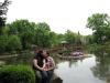 Im Japanischen Garten: klein, schnuckelig, ruhig ... aber doch nicht wir zwei!