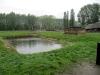 Dies ist kein See, sondern ein Grab für unzählige Menschen. In den Kriegsjahren wurden um die vier Krematorien herum die Asche einfach ausgeschüttet oder vergraben ...