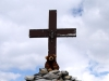 Großer Dinkelmann hat\'s bis zum Gipfelkreuz am Pragelpass geschafft