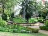 Brunnen des Frauengartens im Uniklinikum (Johannstadt) - bei den Frauen muß es eher stehen (Zuarbeit)