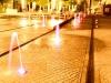 Straßenfontänen an der Centrum Galerie (Seevorstadt) - bei Nacht mit Beleuchtung