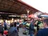 Dabei statteten wir u.a. dem fest stationierten Markt einen Besuch ab