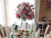 Der 1. Gang (von insgesamt 9), alle immer direkt auf den Tischen serviert: Kalte Speisen, überbackene Pilze, warmer Lachs, Ente, Borschtsch, Wareniki, Roastbeef, kleine Kuchenteilchen und die Hochzeitstorte