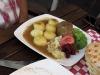 Polnische Hausmannskost wie wir sie lieben ! Carsten gönnte sich Schlesische Klöße mit Roulade und Olga genoß einen riesigen Kartoffelpuffer mit Pilzfüllung