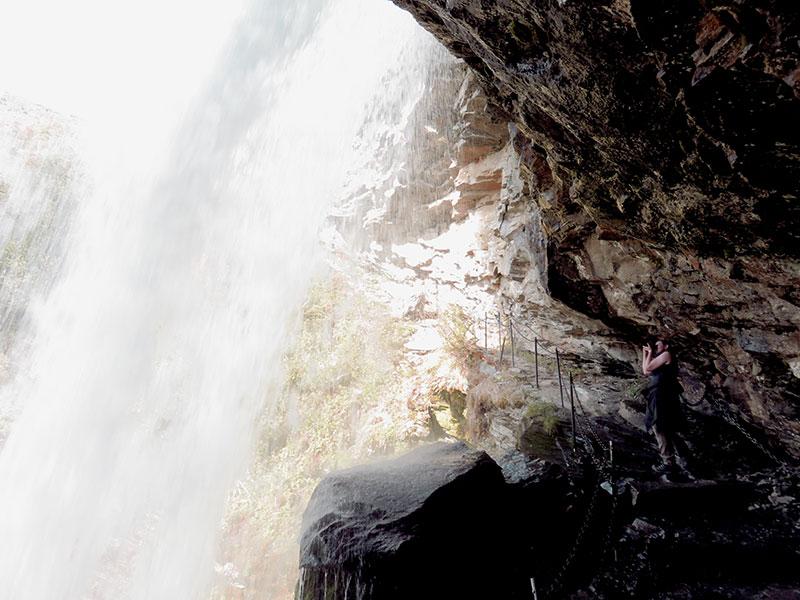 zurück-aus-Nor-wasserfall